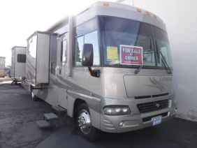 2005 Winnebago Adventurer M-335A -Workhorse'