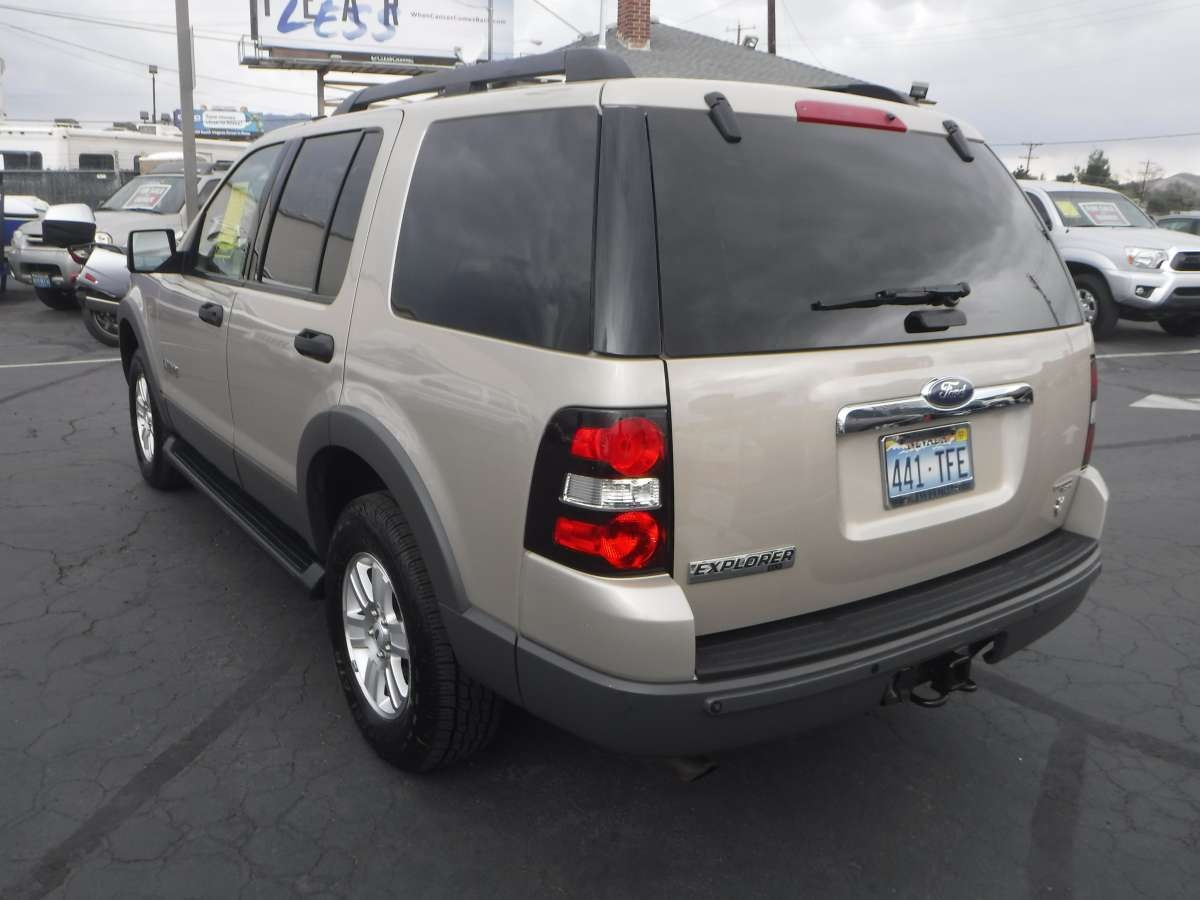 2006 ford explorer xlt for sale by owner at private party cars where buyer meets seller. Black Bedroom Furniture Sets. Home Design Ideas