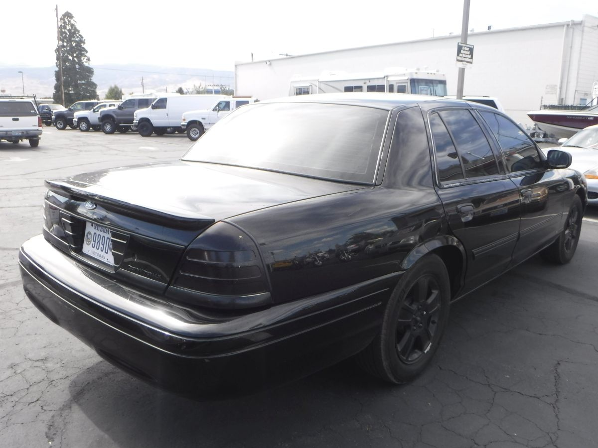 2011 ford crown victoria lx for sale by owner at private party cars where buyer meets seller. Black Bedroom Furniture Sets. Home Design Ideas