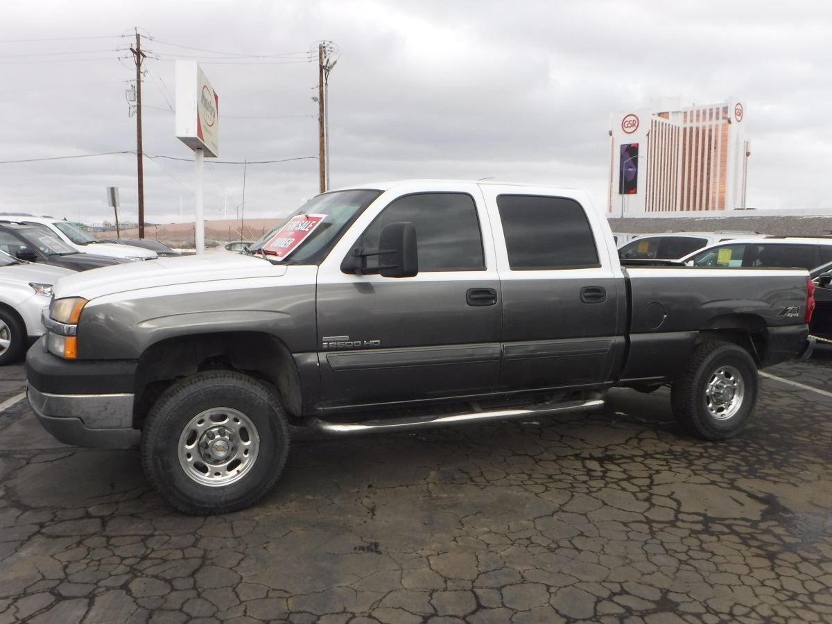 2004 chevrolet silverado 2500 hd crew cab lt 6 1 2 ft for sale by owner at private party cars. Black Bedroom Furniture Sets. Home Design Ideas