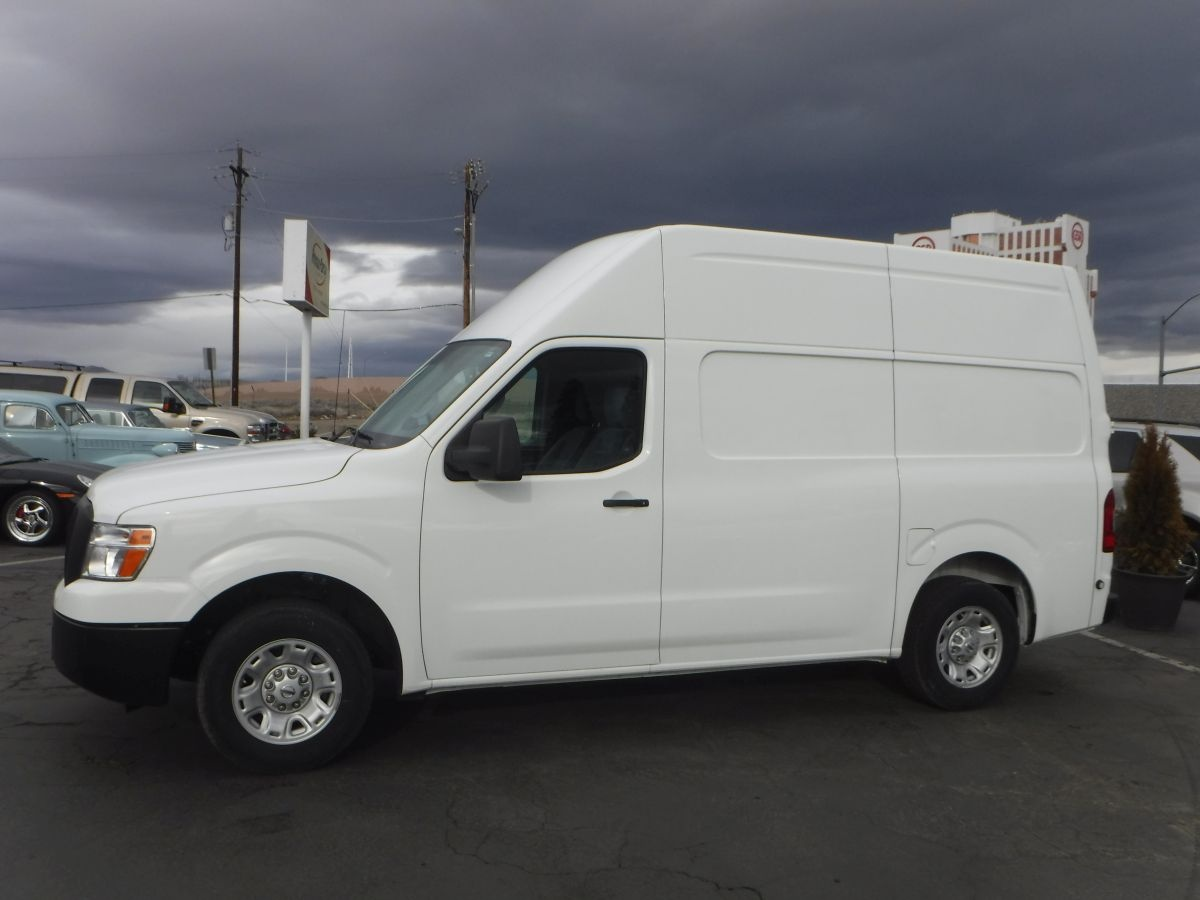 2013 nissan nv2500 hd cargo s van for sale by owner at private party cars where buyer meets. Black Bedroom Furniture Sets. Home Design Ideas