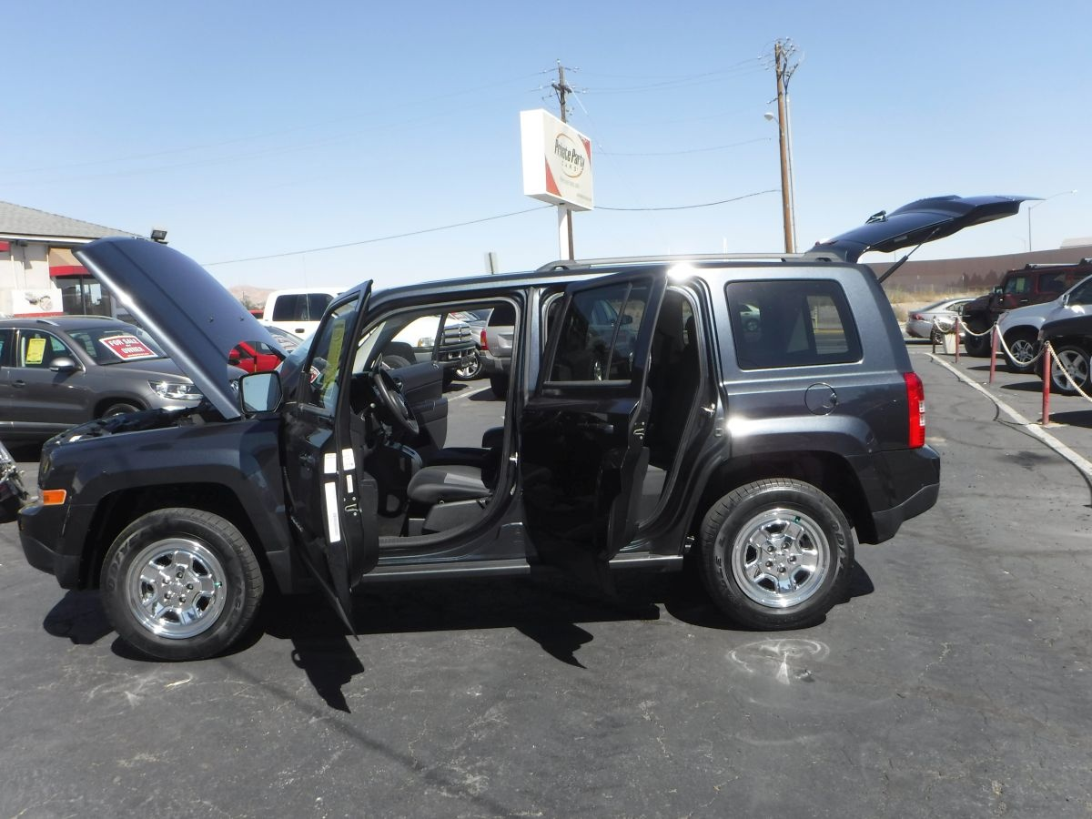 2014 jeep patriot sport suv for sale by owner at private party cars where buyer meets seller. Black Bedroom Furniture Sets. Home Design Ideas