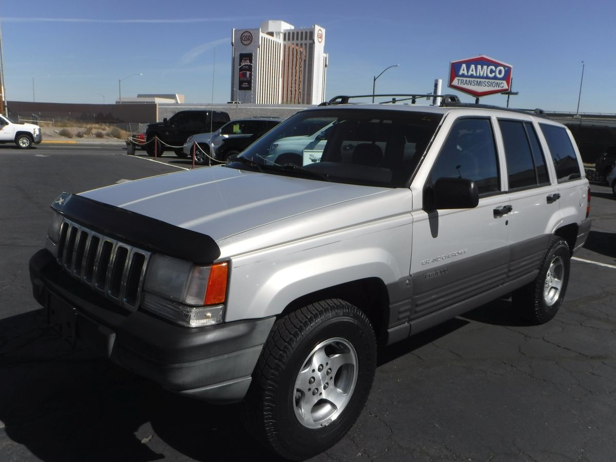 1996 jeep grand cherokee laredo for sale by owner at private party cars where buyer meets. Black Bedroom Furniture Sets. Home Design Ideas