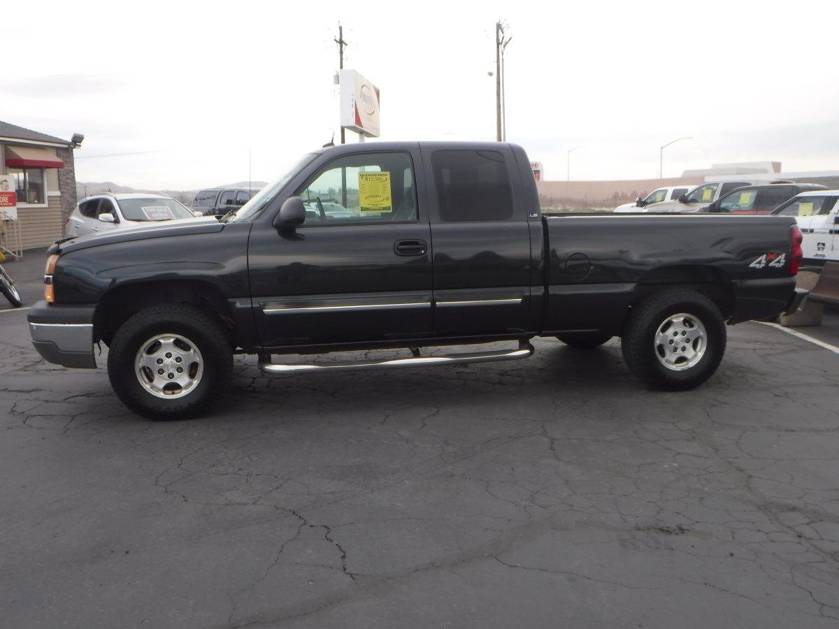 2004 chevrolet silverado 1500 extended cab ls 6 1 2 ft for sale by owner at private party cars. Black Bedroom Furniture Sets. Home Design Ideas