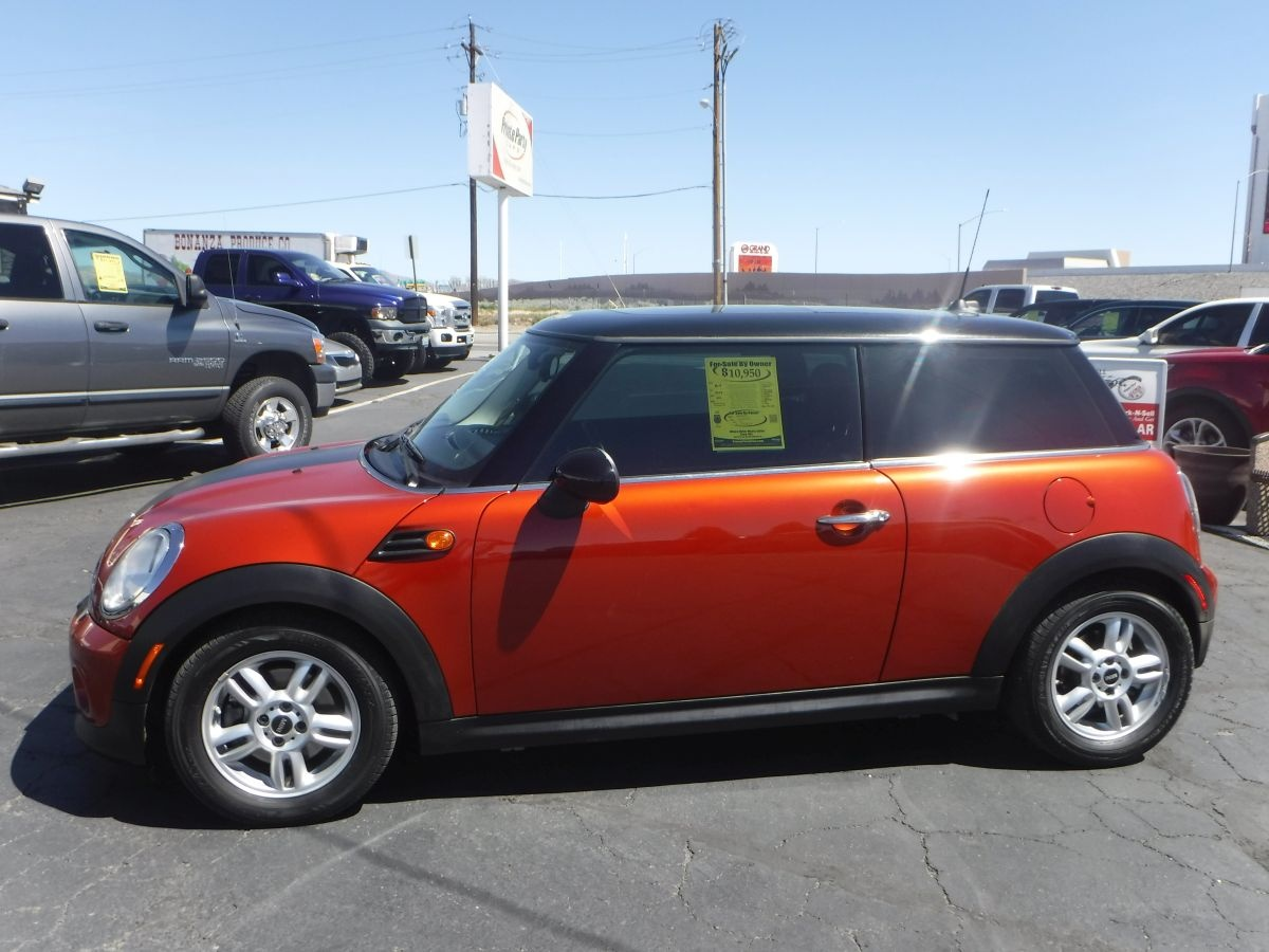 2012 mini hardtop cooper for sale by owner at private party cars where buyer meets seller. Black Bedroom Furniture Sets. Home Design Ideas